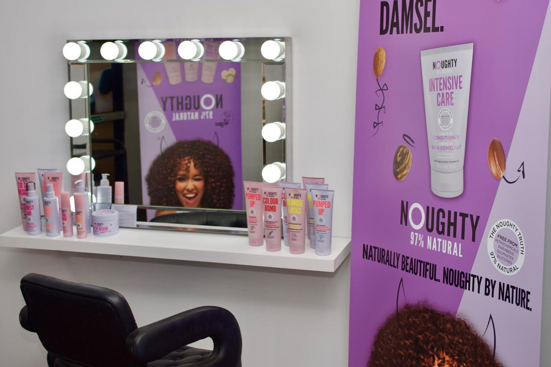 Hair & Make Up Studio & Blow Dry Station